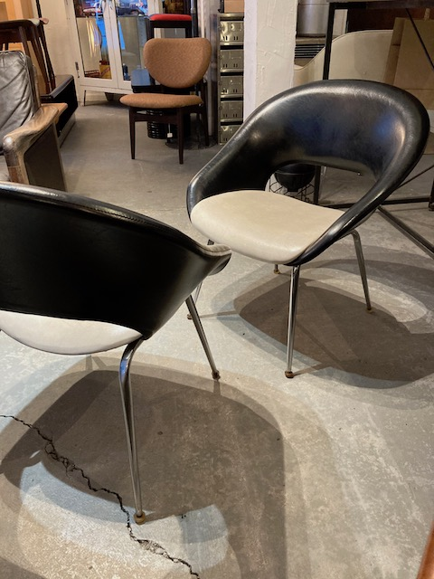 B & W armchairs