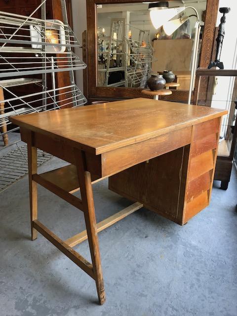 VTG modern wooden desk